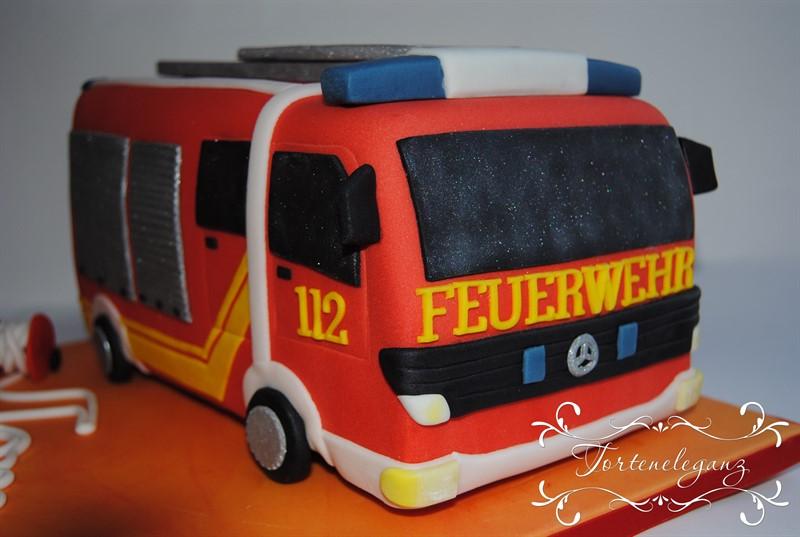 Feuerwehrauto Als 3d Torte Torteneleganz