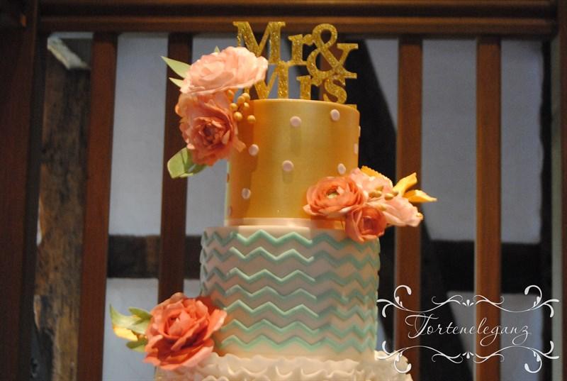 Hochzeitstorte In Apricot Rosa Mint Torteneleganz