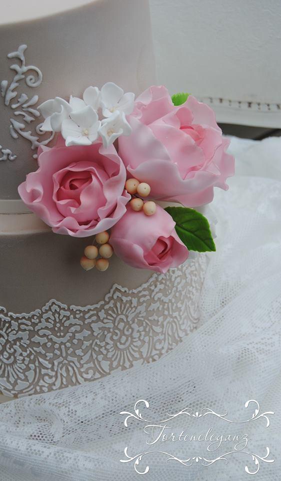 Puran Und Hossein Hochzeitstorte Rosa Rosen Torteneleganz